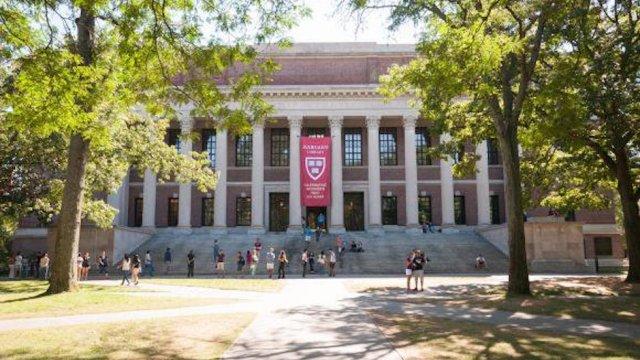 Sener adeuda colegiaturas en universidades del extranjero