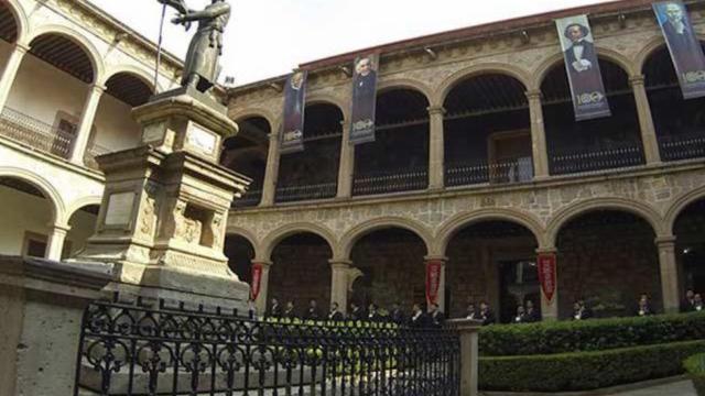 ex rector universidad michoacana pensión millonaria a pesar de quiebra