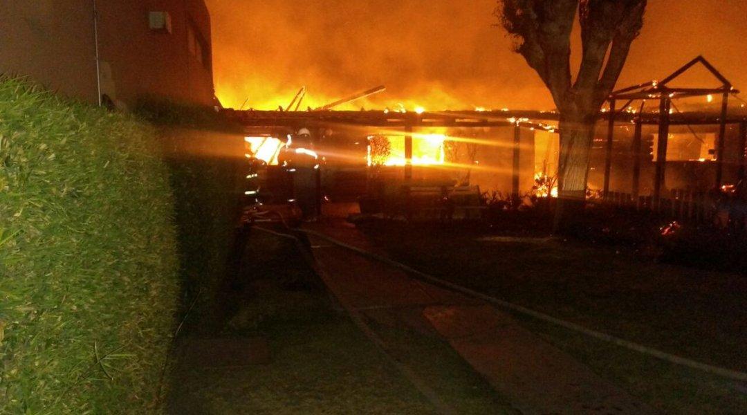 Incendio en restaurante de San Luis lo destruye