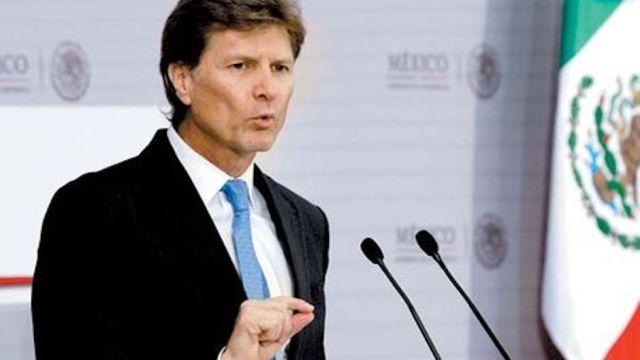 Secretario de Turismo propone marihuana legal en zonas turísticas... a título personal