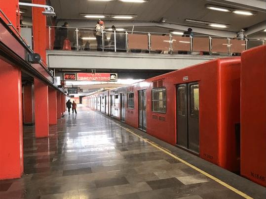 extranjeros metro cdmx turistas