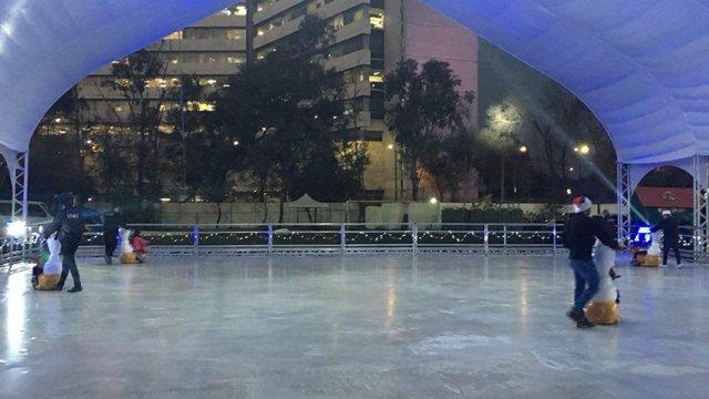 Delegación cuauhtémoc fracasó con pista de hielo: tendrá que retirarla