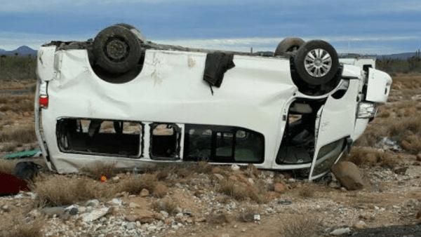 Foto del accidente volcadura de Marichuy en BAja California