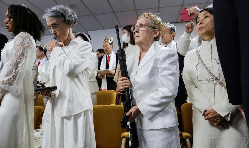 Iglesia en Pennsylvania pide que lleven rifles a bendecir