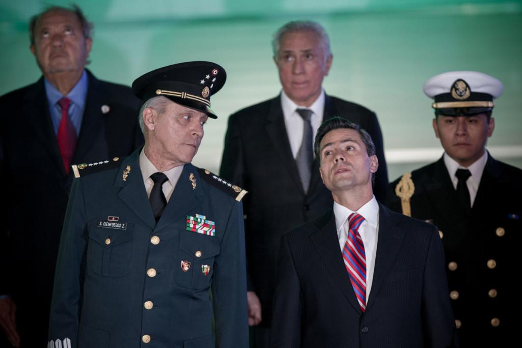 Cienfuegos señala a 'quienes dudan del ejército' casi como traidores