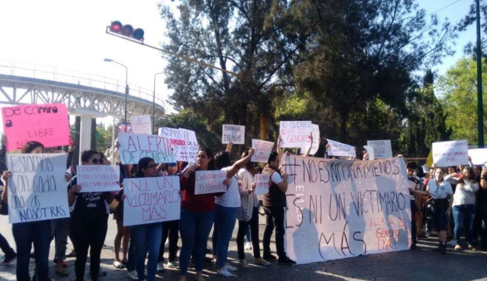 mujeres gas pimienta detenidas en puebla