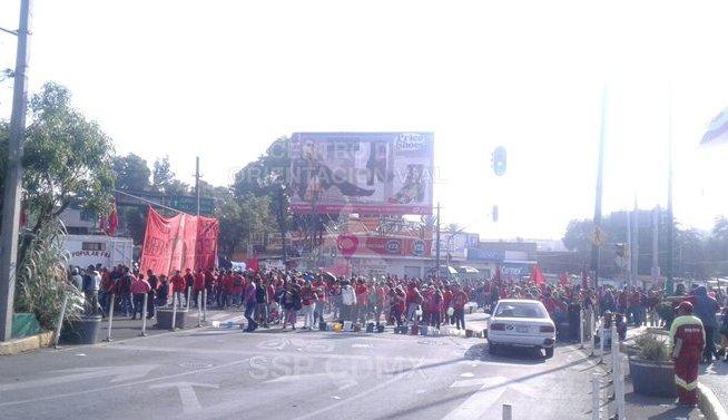Manifestantes bloquean Calzada Ermita Iztapalapa por falta de agua