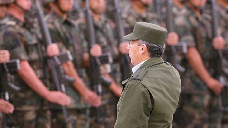 Calderón de casaca militar en 2007