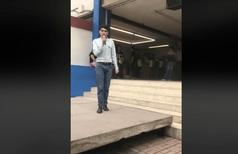 Chica trans denunció discriminación en prepa de la UANL