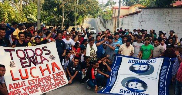 Caravana migrante en protesta se dirige a Estados Unidos