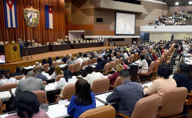Asamblea Nacional de Cuba elige sucesor de Castro