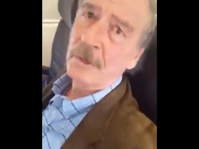 Le dicen señor sin pensión a Fox en avión