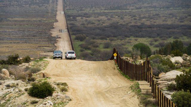Trump SÍ enviará a sus militares a la frontera con México