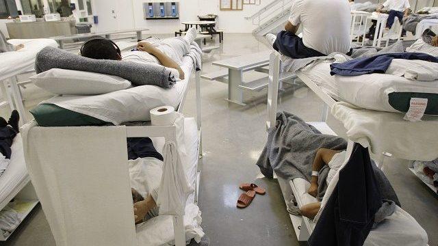 Mitad de muertes en custodia de ICE, por negligencia médica