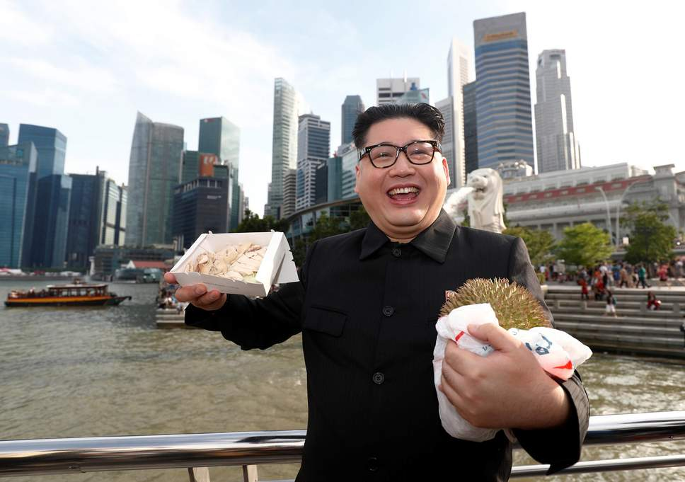 Imitador de Kim Jong-Un es detenido dos horas en Singapur