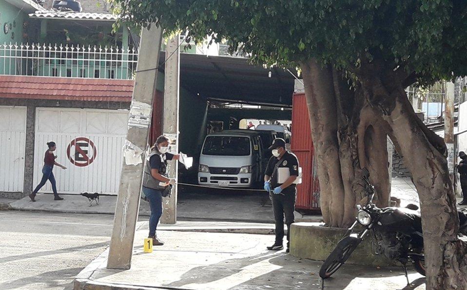 Comando ataca paradero de camionetas en Chilpancingo, Guerrero