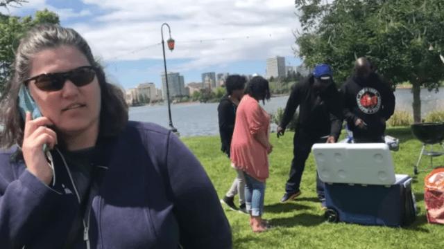 Denunciar a la policía a gente de color: tradición gringa