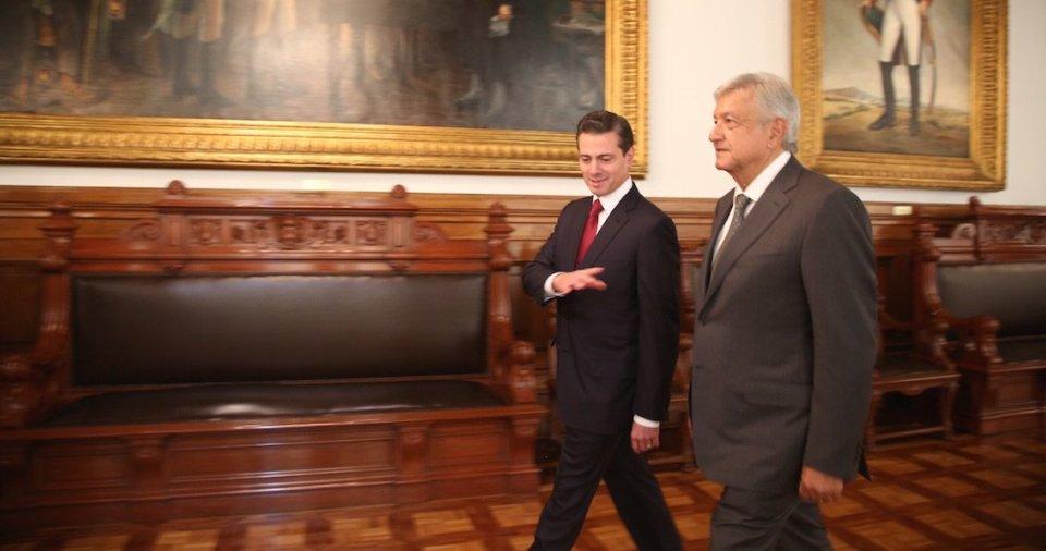 Se reúnen AMLO y EPN en Palacio Nacional para tratar transición