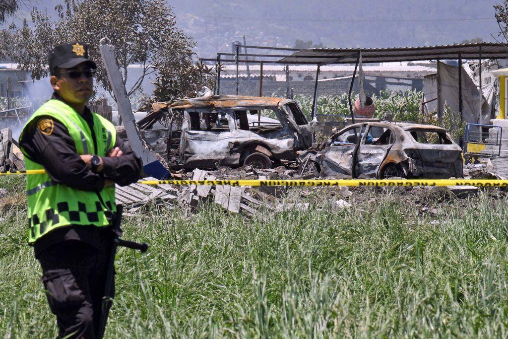Explosión en Tultepec dejan 24 muertos