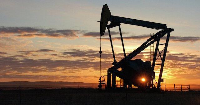 Con un tweet Trump bajó precios internacionales del petróleo