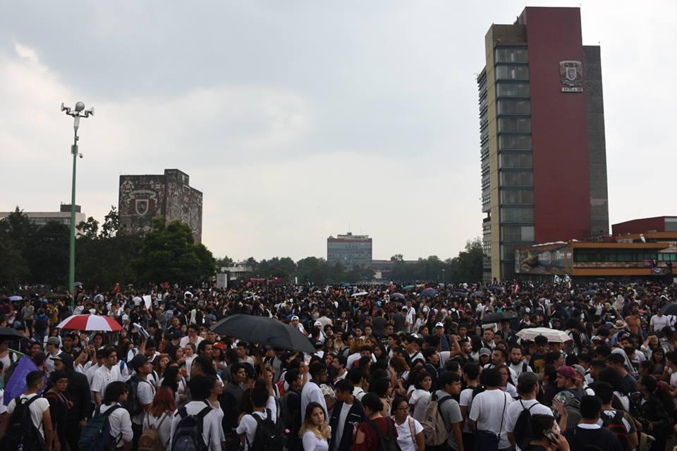 Marcha Alumnos UNAM Porros CCH Azcapotzalco