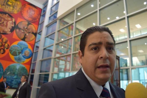 Captan a senador del PAN chateando sobre sexoservicio Ismael García Cabeza de Vaca Tamaulipas