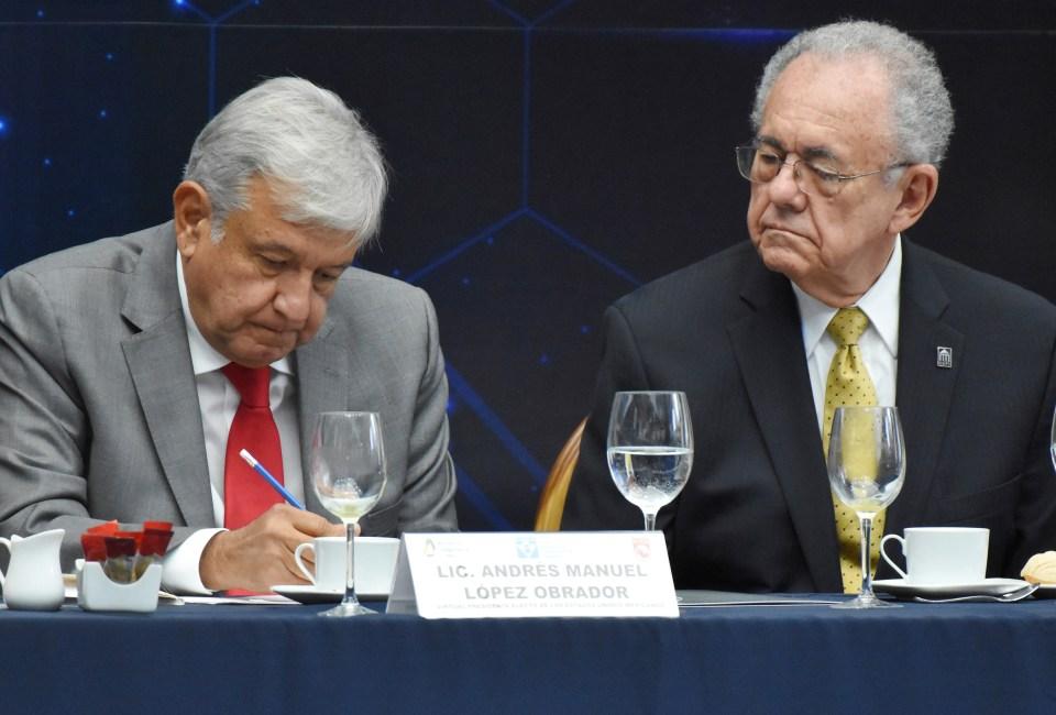 AMLO Espriú Malversación PUMAS Directivo