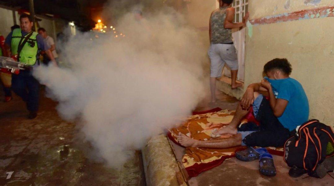 Fumigan a miembros de la Caravana Migrante en Huixtla