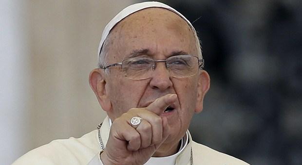 Papa Francisco culpa al Diablo por sacerdotes pederastas
