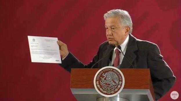 AMLO presenta declaración patrimonial: no tiene bienes