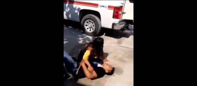 Mujer presuntamente apuñala a pareja en motel de Guerrero