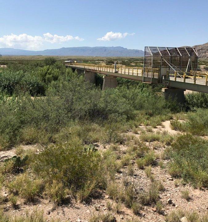 Soldados mexicanos entran a EEUU y desarman soldados gringos