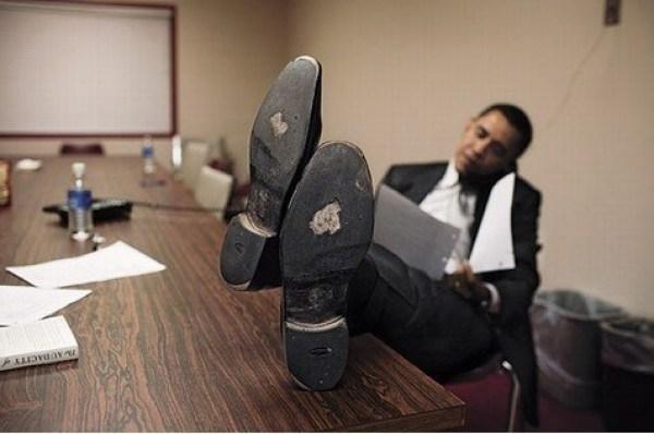 Zapatos remendados del ex presidente de Estados Unidos, Barack Obama.