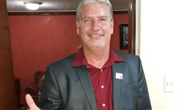 Condenan a prisión a alcalde de Morena por usar pasaporte falso