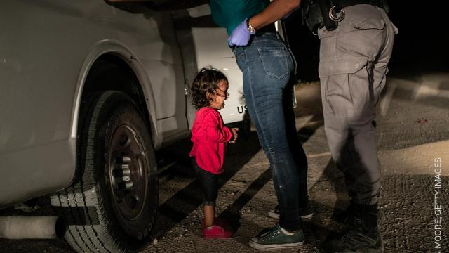 El retrato de una niña detenida en EEUU ganó el World Press Photo