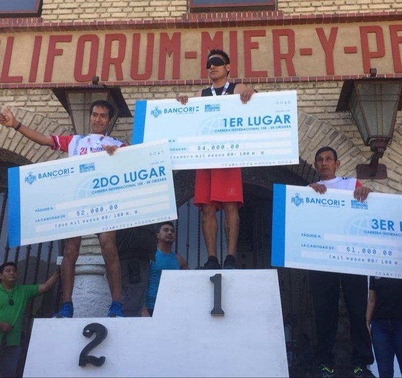 Alejandro Pacheco rompe récord en atletismo