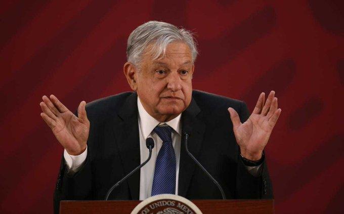 Presentan demanda de juicio político contra AMLO