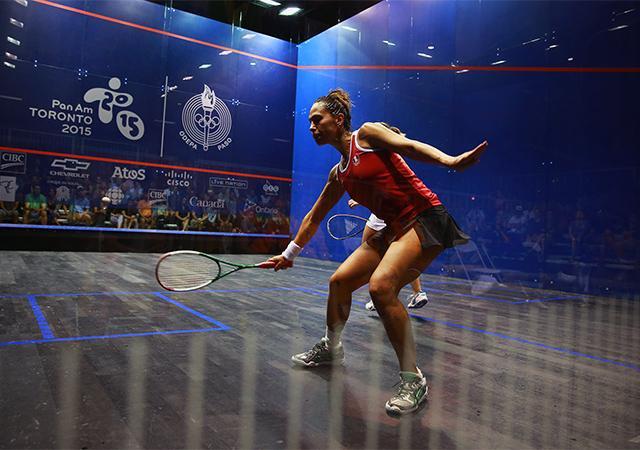 Ganadoras de Campeonato de Squash denuncian regalos sexistas tras victoria.