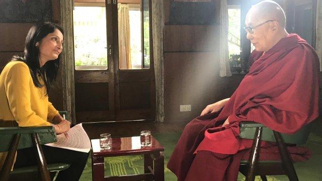 Dalai Lama reitera comentarios sexistas