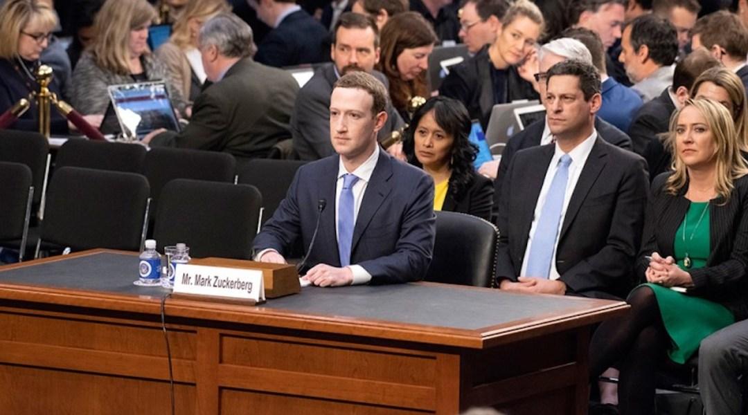 Gobierno de México busca alianza con Facebook para llevar Internet a todo el país