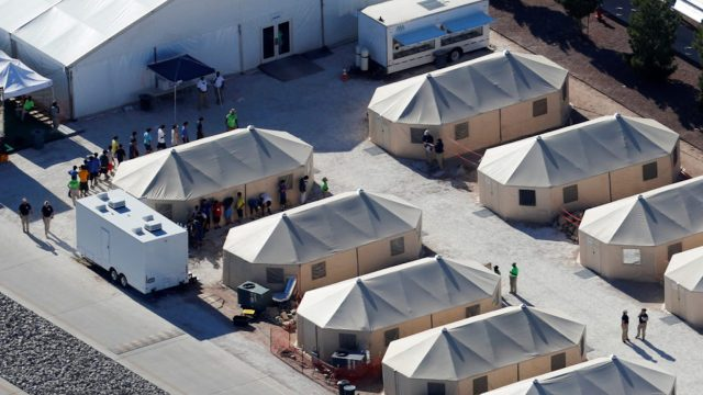 Campos de concentración para migrantes en EEUU y México
