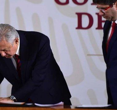 AMLO certificó ante notario público la no reelección en 2024