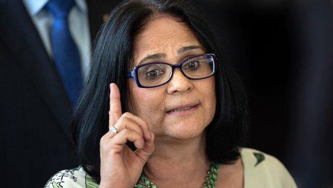 'Niñas son violadas porque no tienen calzones', ministra