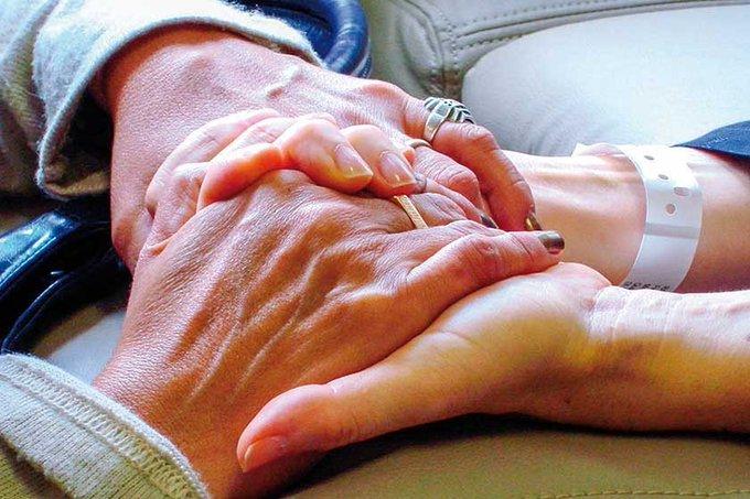 Senado aprueba muerte digna a enfermos terminales.