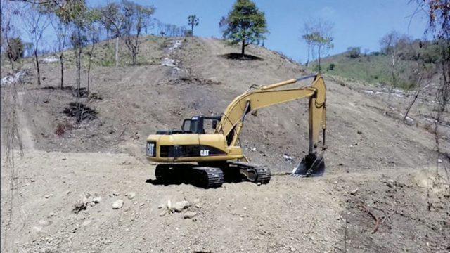 Daños arqueológicos en El Tajín por uso de maquinaria pesada