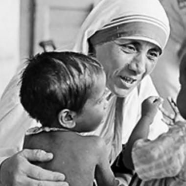 Investigan orfanatos Teresa de Calcuta en la India por presunta venta bebés