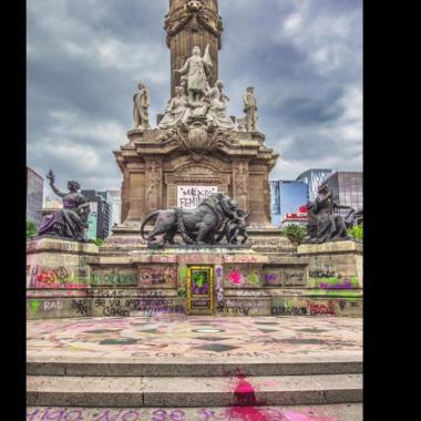 Restauradoras con glitter buscan registrar pintas del Ángel