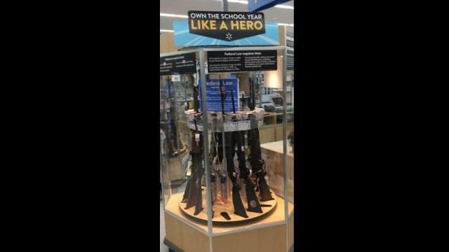 Walmart prohíbe anuncios de videojuegos pero sigue vendiendo armas