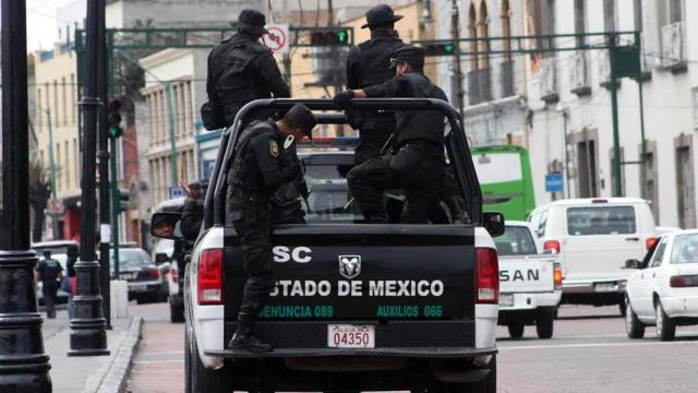 Mujer policía denuncia a policías de edomex por violación