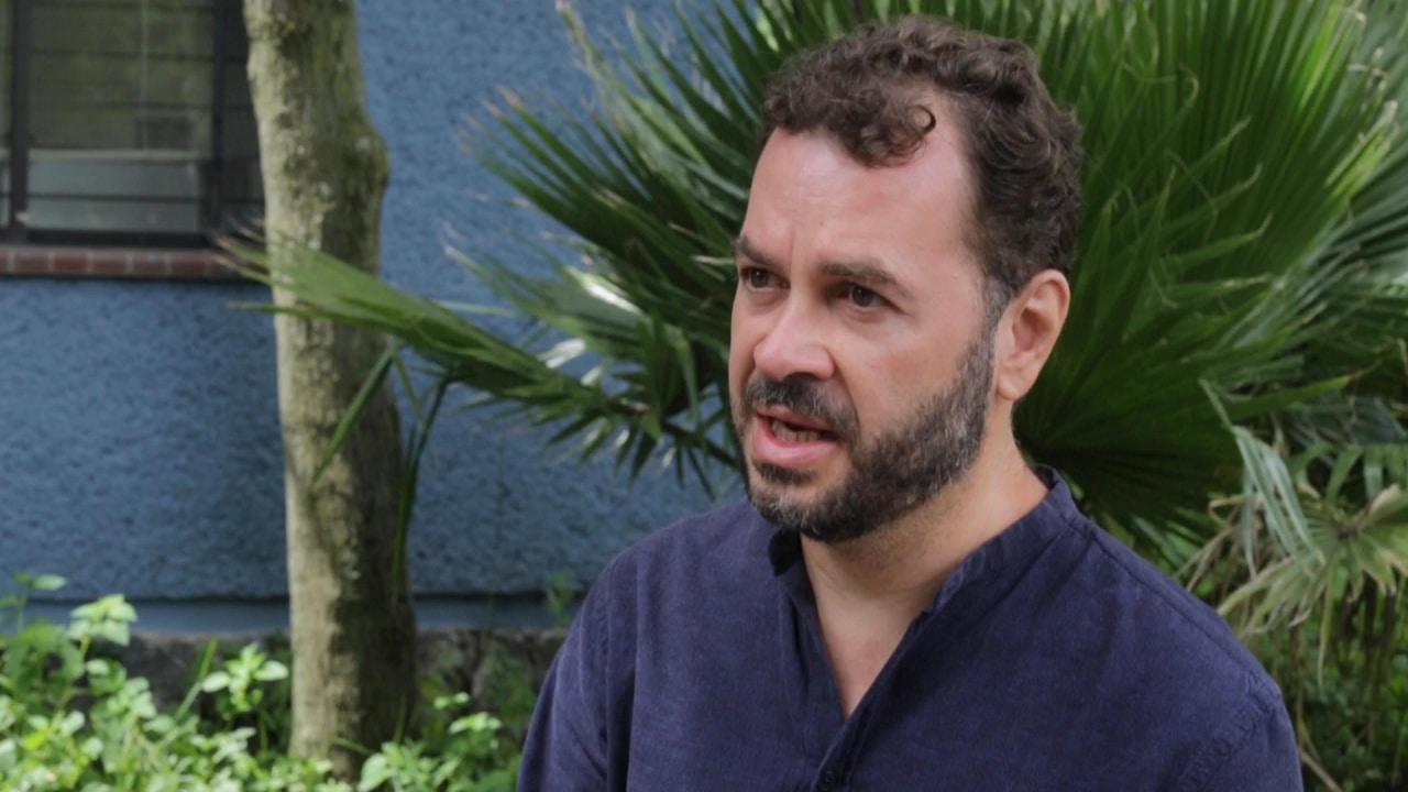Alfredo Ávila Rueda en entrevista con Plumas Atómicas.